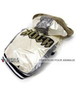 Fashion rain coat for dog adorable beige mother-of-pearl cat ideal holiday in the snow face of love