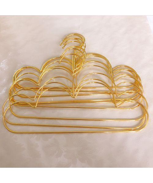 hanger golden dog